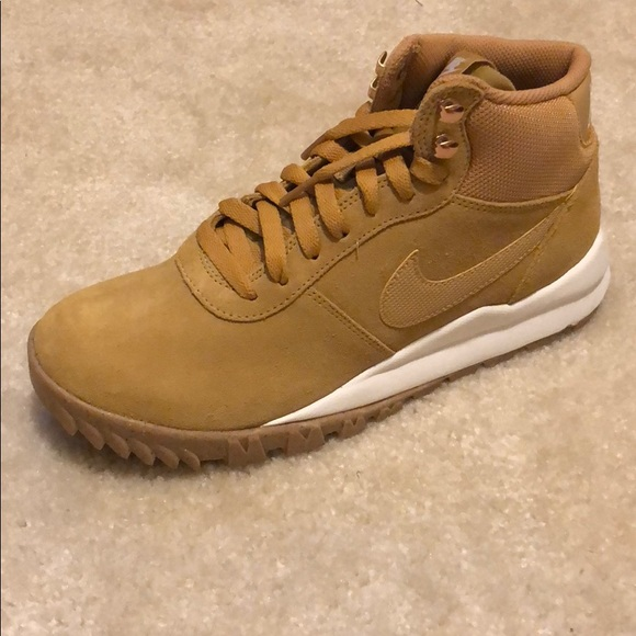 832718d4aaf1f9 Brand new Men s Nike Hoodland Suede size 7.5. M 5b60f431bb76158967191534